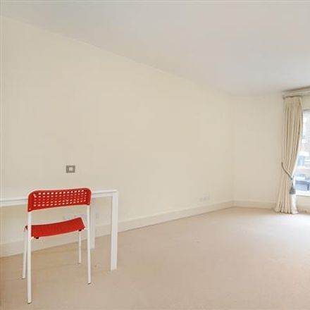 Rent this 3 bed apartment on Rede Place in London W2 4TU, United Kingdom