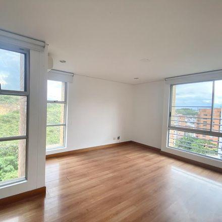 Rent this 3 bed apartment on Avenida 4A Oeste in Comuna 2, 760044 Perímetro Urbano Santiago de Cali