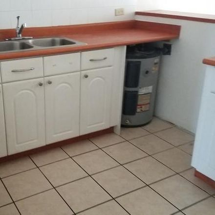 Rent this 3 bed condo on PR