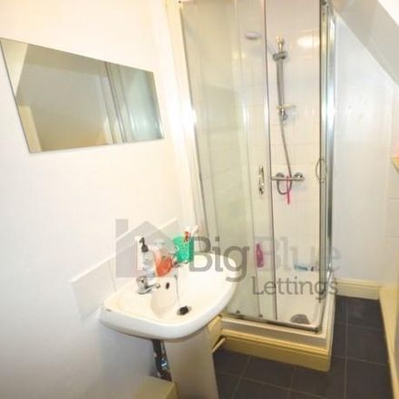 Rent this 5 bed house on Brudenell Primary School in Welton Place, Leeds LS6 1EW