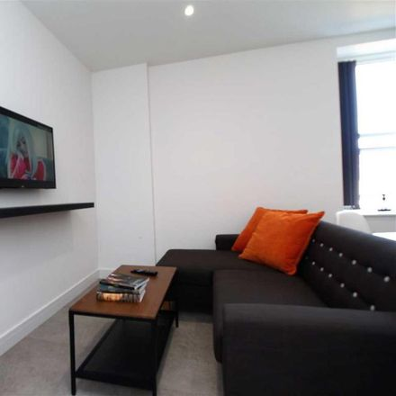Rent this 2 bed apartment on Drakes Reservoir in North Hill, Plymouth PL4 8EZ