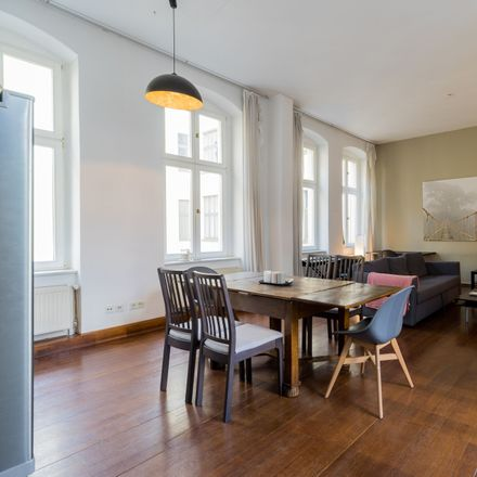 Rent this 3 bed apartment on Ho Vang in Rosa-Luxemburg-Straße 17, 10178 Berlin