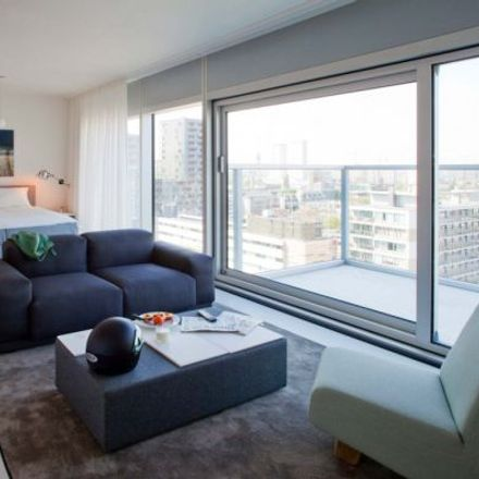 Rent this 1 bed apartment on Bijenkorf in Coolsingel 105, 3012 AG Rotterdam