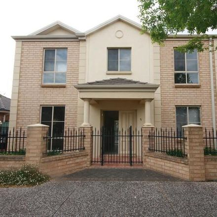 Rent this 3 bed townhouse on 5/6 Cobblers Court