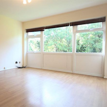 Rent this 2 bed apartment on Grove Park Nature Reserve in Hoser Avenue, London SE12