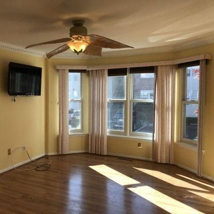 Rent this 3 bed house on 78 Frankie Lane in East Hanover, NJ 07936