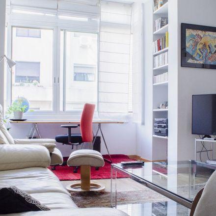 Rent this 3 bed apartment on La Plaza del Dia in Calle Maudes, 23