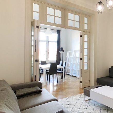 Rent this 3 bed apartment on Avenue Louis Lepoutre - Louis Lepoutrelaan 118 in 1050 Ixelles - Elsene, Belgium
