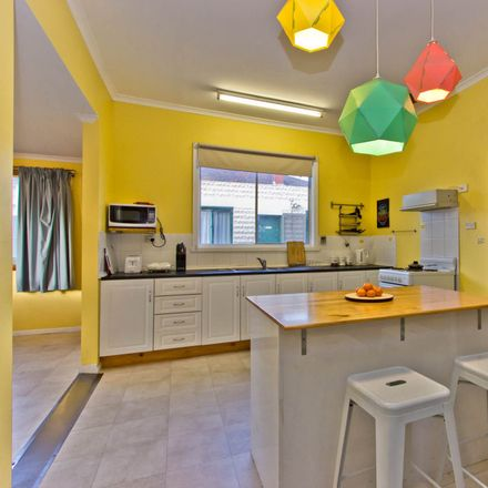 Rent this 1 bed house on 18 Vermont Road