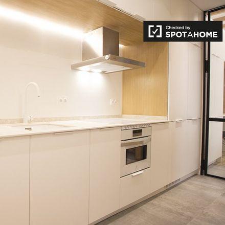 Rent this 2 bed apartment on Cuesta de las Descargas in 28001 Madrid, Spain