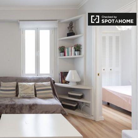 Rent this 1 bed apartment on Colegio Guzmán el Bueno in Calle de Eugenio Salazar, 28001 Madrid