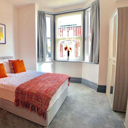 Rent this 5 bed room on Belmont Avenue in Doncaster DN4 8AF, United Kingdom