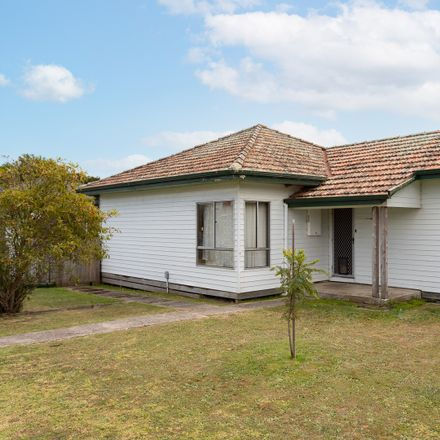 Rent this 3 bed house on 7 Wentworth Road