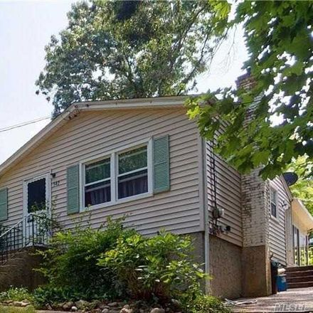 Rent this 3 bed house on 142 New York Avenue in Sound Beach, NY 11789