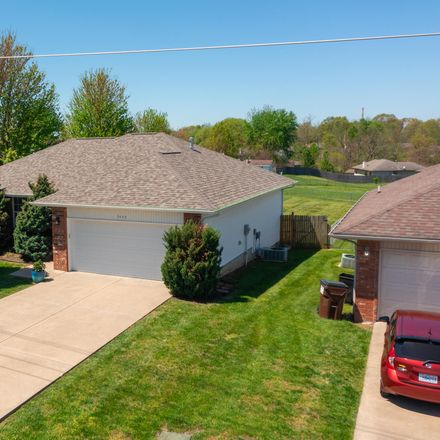 Rent this 3 bed house on S Farm Rd 129 in Springfield, MO