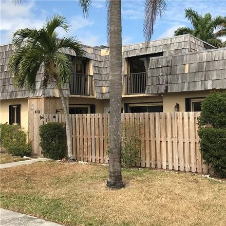 Rent this 3 bed condo on 4104 Waterview Circle in Palm Springs, FL 33461