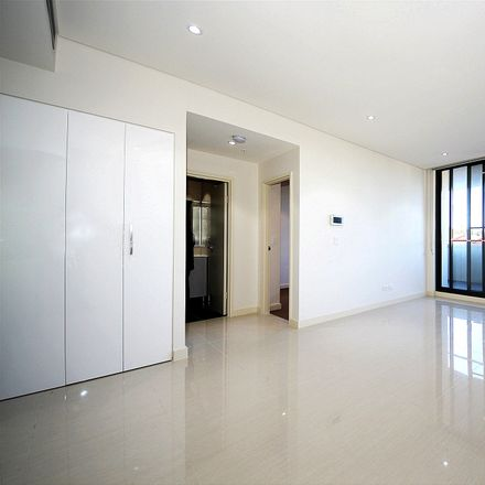 Rent this 1 bed apartment on Level 4/4 Nipper Street