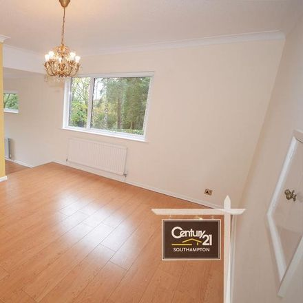 Rent this 5 bed house on Glenwood Avenue in Southampton SO16 3PY, United Kingdom