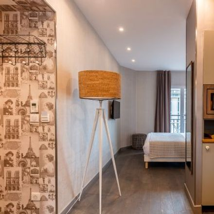 Rent this 2 bed apartment on 72 Boulevard de Clichy in 75018 Paris, France