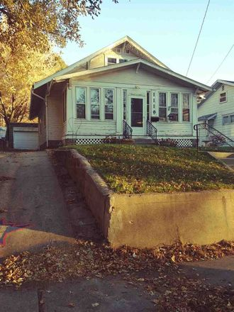 Rent this 3 bed loft on 18th St in Sioux City, IA