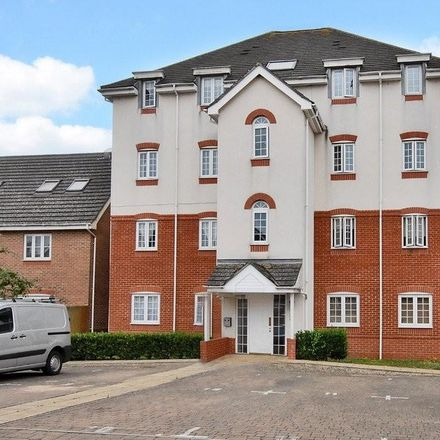 Rent this 2 bed apartment on Fox Court in Rushmoor GU12 4FA, United Kingdom