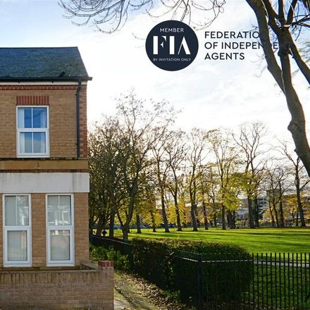 Rent this 4 bed house on Lateward Road in London TW8 0PJ, United Kingdom