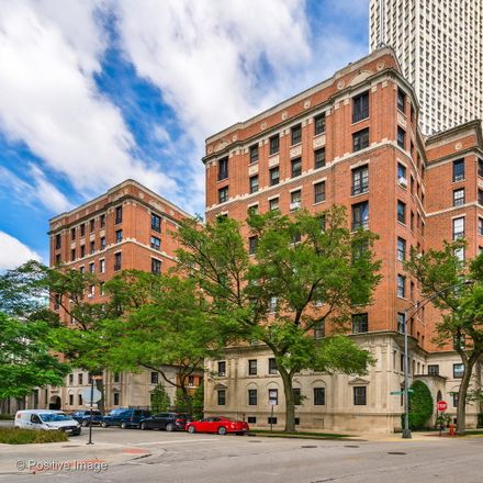 Rent this 1 bed condo on The Marlborough in 400 West Deming Place, Chicago