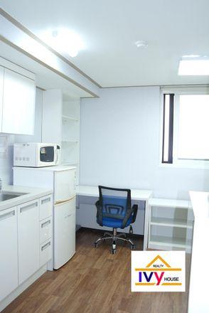 Rent this 1 bed apartment on 126-84 Anamdong 5(o)-ga in Seongbuk-gu, Seoul
