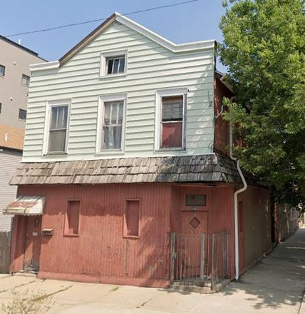 Rent this 6 bed duplex on 2100 West 18th Place in Chicago, IL 60608