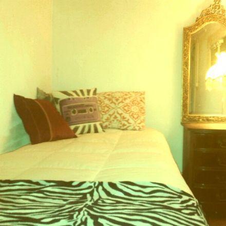 Rent this 3 bed room on Tv. Cruz do Desterro in 1150-241 Lisboa, Portugal