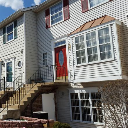 Rent this 3 bed townhouse on 4158 Winter Harbor Court in Chantilly, VA 20151