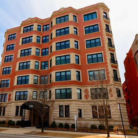 Rent this 1 bed townhouse on 325 West Fullerton Parkway in Chicago, IL 60614