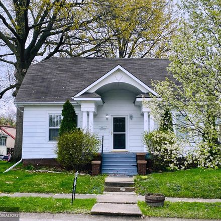 Rent this 2 bed house on 719 North 11th Street in Keokuk, IA 52632