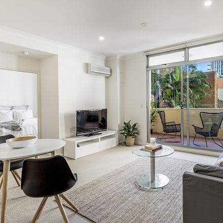 Rent this 1 bed apartment on 2-8 Brisbane Street