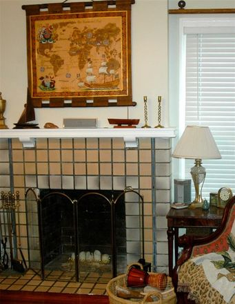 Rent this 1 bed apartment on 2006 Jackson Street North in Saint Petersburg, FL 33704