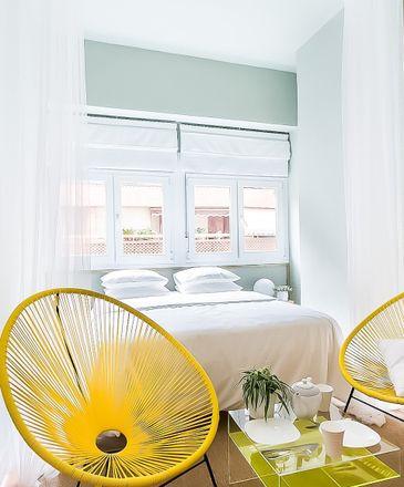Rent this 1 bed room on Centro de Interpretación sobre los Refugios Antiaéreos in Calle Italia, 19