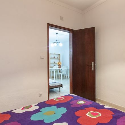 Rent this 10 bed apartment on Avenida Madame Currie in 2720-046 Águas Livres, Portugal