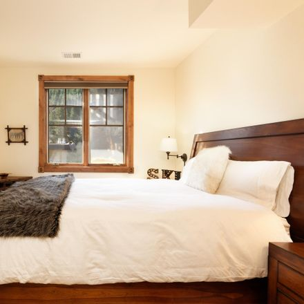 Rent this 3 bed condo on W Main St in Aspen, CO