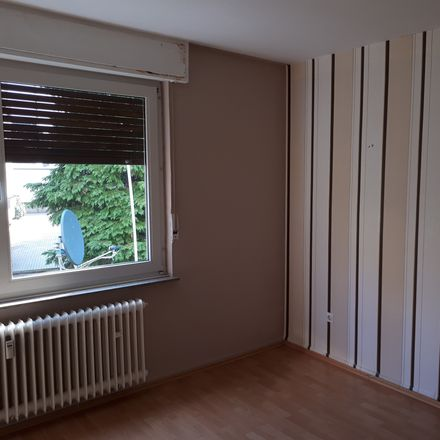 Rent this 3 bed apartment on Pastoratsweg 22 in 45772 Marl, Germany
