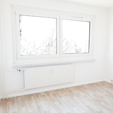 Rent this 3 bed apartment on Albert-Köhler-Straße 4 in 09122 Chemnitz, Germany