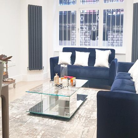 Rent this 5 bed apartment on Oxford & Cambridge Mansions in 11 Transept Street, London NW1 5EQ