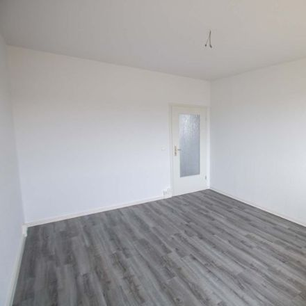 Rent this 3 bed apartment on August-Lamprecht-Straße 10 in 06132 Halle (Saale), Germany