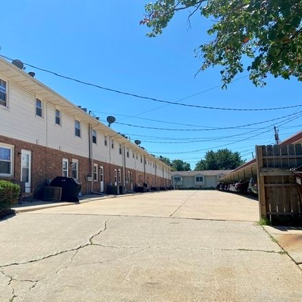 Rent this 2 bed townhouse on 105 East Lincoln Street in Normal, IL 61761