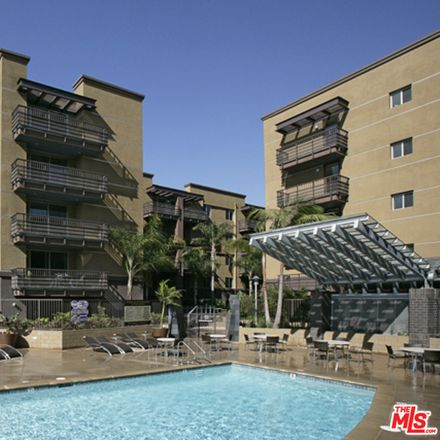 Rent this 2 bed condo on 629 Traction Avenue in Los Angeles, CA 90013