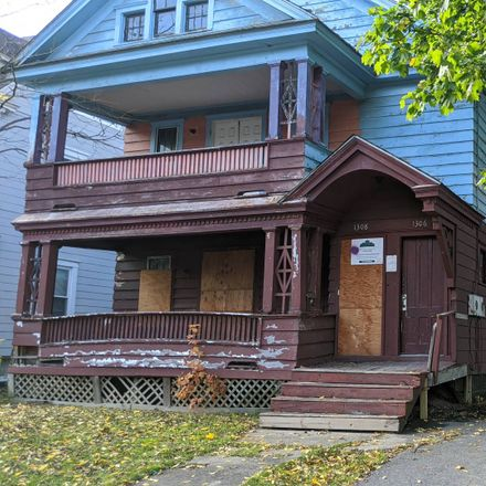 Rent this 6 bed apartment on Midland Ave in Syracuse, NY