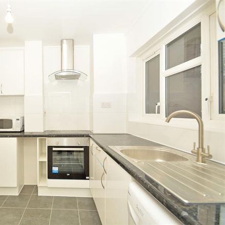 Rent this 3 bed apartment on Wenlock Court in 55 - 90 Evelyn Walk, London N1