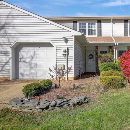 Rent this 3 bed condo on Staghorn Dr in Monmouth Junction, NJ