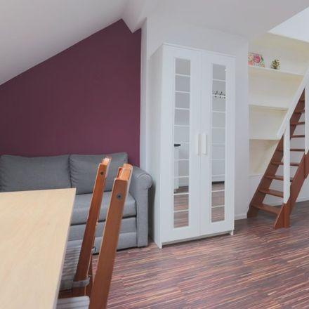 Rent this 1 bed apartment on Rue des Deux Tours - Tweetorenstraat 25 in 1210 Saint-Josse-ten-Noode - Sint-Joost-ten-Node, Belgium