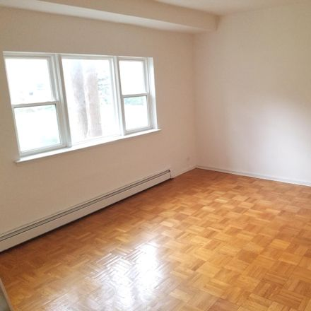 Rent this 1 bed condo on 4601 Henry Hudson Pkwy W in The Bronx, NY 10471