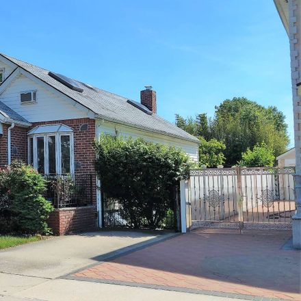 Rent this 3 bed house on 187th St in Fresh Meadows, NY